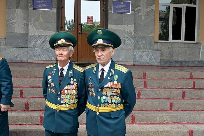 http://forumstatic.ru/files/0017/82/95/33210.png